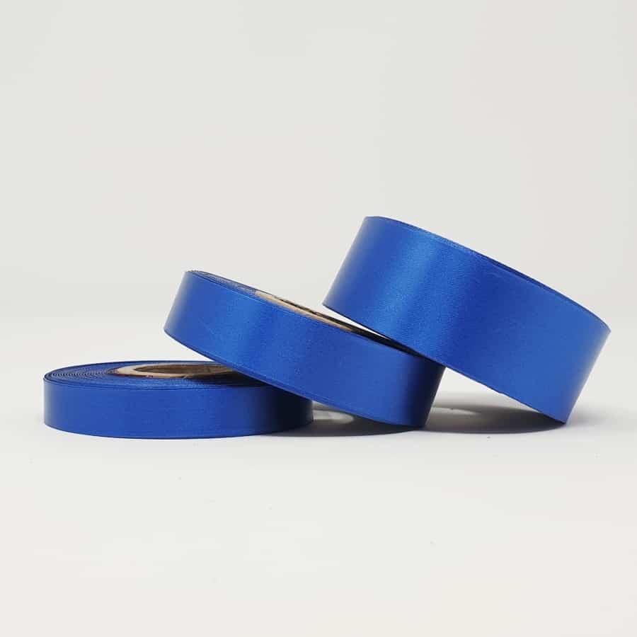 Ruban soie bleu foncé